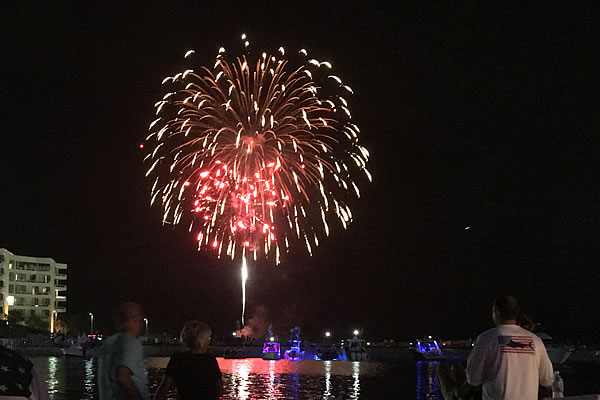 Celebrate Memorial Day in Destin Florida with a Bang!