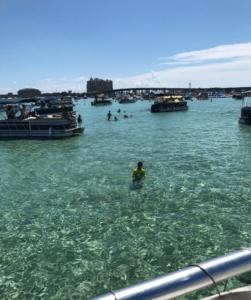 crab island cruise wide shot